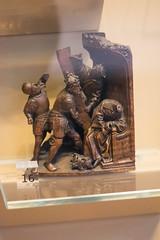 The king lost his head (quinet) Tags: 2017 antik england london schnitzerei victoriaandalbert ancien antique carving museum musée sculpture unitedkingdom 826