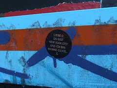 Von S. an D. (mkorsakov) Tags: dortmund nordstadt hafen sticker aufkleber kettcar balu zitat quote cute newyorkcity wanneeickel