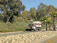 Edco Truck 6-1-18 (Photo Nut 2011) Tags: california sanitation wastedisposal junk garbage trash truck garbagetruck trashtruck refuse sandiego edco ranchobernardo 584