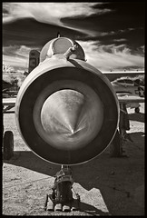 Pima A&S IR #30 2018; MIG-21 (hamsiksa) Tags: blackwhite infrared digitalinfrared infraredphotography aviation aviationhistory military soviet ussr russian fighters coldwar mig17 mikoyangurevich17 aircraft airplanes aeroplanes jets arizona tucson pimaairandspacemuseum outdoors airmuseums aviationmuseums