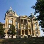 Des Moines Iowa  - Iowa State Capitol  - Three Gold Domes thumbnail