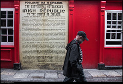 Untitled (buiobuione) Tags: dublin ireland dublino irlanda red street