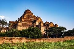 Un templo que nunca ha sido restaurado (Nebelkuss) Tags: myanmar bagán asia birmania burma dhammayangyi templo temple fujixt1 fujinonxf23f14