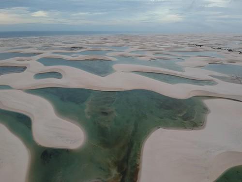 A cette période (en hiver) il y a de nombreux lacs. C'est vraiment magnifique lorsqu'on prend de la hauteur.