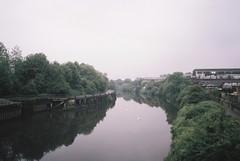 Hazy Avon, from the St Anne's footbridge (knautia) Tags: stannes riveravon bristolwalkfest bristol england uk may 2018 film ishootfilm olympus xa2 fuji superia 400iso olympusxa2 nxa2roll19 bridge footbridge river avon walk