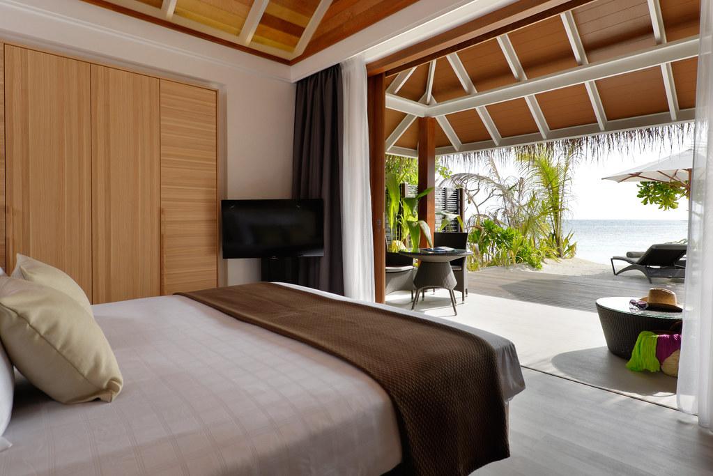 Jacuzzi Beach Villa - Interior
