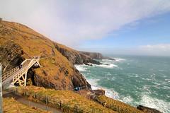 IMG_8742 (Simon M Hendry) Tags: ireland southireland mizenpoint wildatlanticway atlantic sea ocean mizenbridge