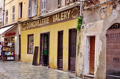 358 - Bastia, rue Napoléon (paspog) Tags: bastia corse france may mai 2018 ruenapoléon quincaillerie valery quincaillerievalery