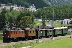 Rhätische Bahn RhBLokomotive Ge 4/6 353 und Ge 2/4 222 bei Pontresina im Engadin im Kanton Graubünden - Grischun der Schweiz (chrchr_75) Tags: albumzzz201806juni juni 2018 hurni christoph schweiz suisse switzerland svizzera suissa swiss chrchr chrchr75 chrigu chriguhurni chriguhurnibluemailch albumbahnenderschweiz albumbahnenderschweiz20180106schweizer bahnen bahn eisenbahn train treno zug fest eisenbahnfest festival 10 jahre unesco welterbe