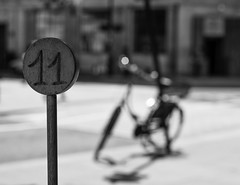 11 (V Photography and Art) Tags: street dof bokeh number london