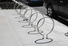 Bike Rack Loops in the Loop (Cragin Spring) Tags: downtown city chicago chicagoillinois chicagoil illinois il midwest unitedstates usa unitedstatesofamerica urban loop chicagoloop loops bikerack shadow