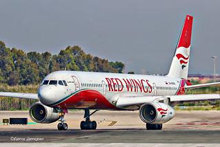RA-64043 Red Wings Tupolev Tu-204-100B