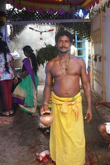 Pujari Marriammen Temple Madraswadi Worli (firoze shakir photographerno1) Tags: marriammenfeast2018 madraswadi worli shanmugham streetphotography hinduism shotbyfirozeshakir karumarriammen