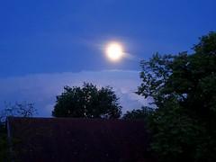 Fenomen (johannroehrle) Tags: vollmond wolken clouds chmury gewitter nacht nachtaufnahme niebo natur nature natura himmel hdr