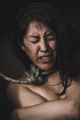 A la soga (Leandroide_m) Tags: soga cuerda amarrada mujer woman atada maltrato daño