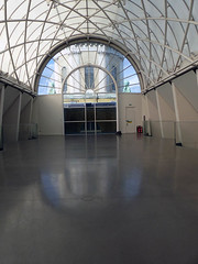Empty Space (Kombizz) Tags: 1220095 kombizz imperialwarmuseums britishnationalmuseum iwm 2018 london se1 iwmlondon nopsbatchresizing war battle warfare dukeofkent francisrichards dianelees negativeenergy killing bombs wwi wwii lambethroad roofgarden architecture skylight longcurvedskylight longskylight curvedskylight emptyspace cassonmann