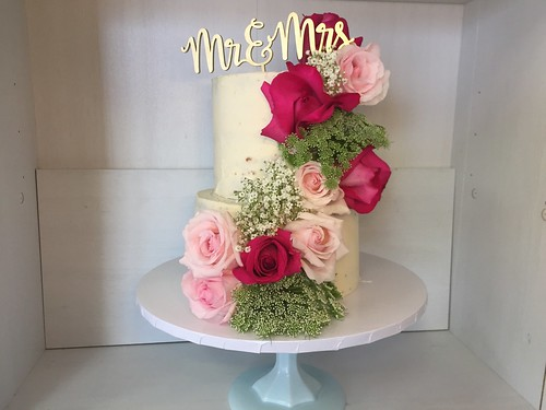6 and 8 inch naked cake