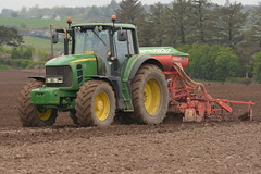John Deere 7530 Tractor with a Maschio Gasprado Aliante Plus Dominator Seed Drill (Shane Casey CK25) Tags: john deere 7530 tractor maschio gasprado aliante plus dominator seed drill jd green bartlemy spring barley onepass one pass traktor trekker traktori tracteur trator ciągnik sow sowing set setting drilling tillage till tilling plant planting crop crops cereal cereals county cork ireland irish farm farmer farming agri agriculture contractor field ground soil dirt earth dust work working horse power horsepower hp pull pulling machine machinery grow growing nikon d7200