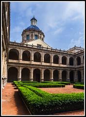 Paseando por Valencia (edomingo) Tags: edomingo olympusomdem10 mzuiko1240 valencia sanmigueldelosreyes monasterio bibliotecavalenciana arquitectura academiavalencianadelalengua
