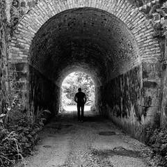 Verso la luce (luigi ricchezza) Tags: tunnel campagna ponte