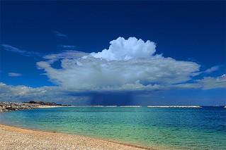 Very Rare Coastline Weather Phenomenon! - ¡Fenómeno Meteorológico Costero Muy Raro!