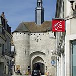 Mehun-sur-Yèvre (Cher) thumbnail