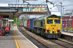 Diverted (whosoever2) Tags: uk united kingdom gb great britain england nikon d7100 train railway railroad june 2018 macclesfield cheshire freightliner class66 66525 4l90 traffordpark felixstowe station