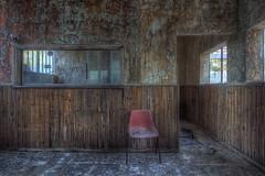 Hot Seat (JOP-76) Tags: stuhl rot verlassen abandoned lost kaputt urbex exploration
