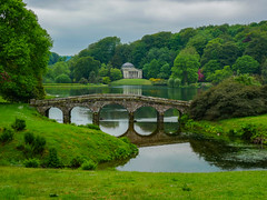 A view across the lake at Stourhead Gardens (Meon Valley Photos.) Tags: a view across lake stourhead gardens ngc national trust