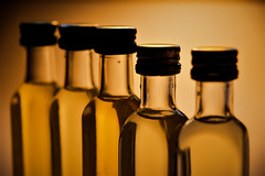 Aceites (Jose Rahona) Tags: botella botellas bottle bottiglie bouteilles envases aceite aceites oil oils huiles oliva