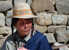 Pilgrim at Kailash kora, Tibet 2017 (reurinkjan) Tags: tibetབོད བོད་ལྗོངས། 2017 ༢༠༡༧་ ©janreurink tibetanplateauབོད་མཐོ་སྒང་bötogang tibetautonomousregion tar purangསྤུ་ཧྲེང་།county kailashkora portrait portraiture facecolorགདོང་མདོགdongdok portrayal picture photograph tibetannationalitytibetansབོད་རིགས།bodrigs tibetannationtibetanpeopleབོད་ཀྱི་མི་བརྒྱུདbökyimigyü pilgrimགནས་བསྐོར་བ་nekorwaསྐོར་མིkormi pilgrimageགནས་བསྐོརnekor onpilgrimageགནས་སྐོར་པnekorpa greatsacredplaceགནས་ཆེནnechen