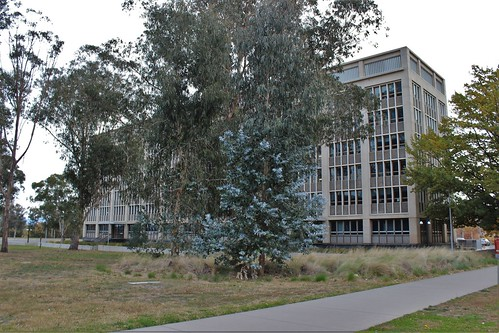 Building on Anzac Avenue, Canberra