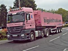562 Mercedes Actros Z4-49 (2011) _ Big Pink Truck Co. (robertknight16) Tags: mercedes 2010s german germany actros truck lorry articulated pinktruck robinsons bassetspole er03row