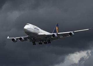 D-ABVO_747-430_DLH_CYVR_4187