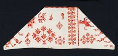 Tenek Huastec Quechquemitl Mexico (Teyacapan) Tags: textiles mexico capes quenchquemitl tenek huastec tanlajas sanluispotosi museum embroidered ropa indumentaria