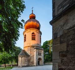 Österreich / Austria: St. Pantaleon in Mödling (CBrug) Tags: stpantaleon mödling karner turm ossuary beinhaus glockenturm morgenlicht morninglight