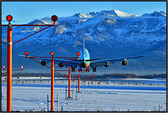Runway 7R at ANC (Bob Garrard) Tags: korean air cargo 7478f 747 freight landing approach lights eunway 7r anc panc