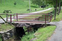Parque de Invierno (Jusotil_1943) Tags: 020618 parque park oviedo puente barandilla