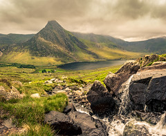 Tryfan & The Ogwen Valley (urfnick) Tags: canoneos1300d northwales snowdonia llynogwen tryfan glyders idwal devilskitchen stream beck river water waterfall rocks stones mountains grass clouds sky moody dramatic nature sunlight dappled green panorama sundaylights
