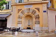 363 - Bastia, la fontaine rue Fontaine Neuve (paspog) Tags: bastia corse france mai may 2018 ruefontaineneuve fontaine fountain
