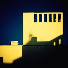 (Masahiko Kuroki (a.k.a miyabean)) Tags: color architecture lightshadow tokyo xe2 lensbaby trio28 東京