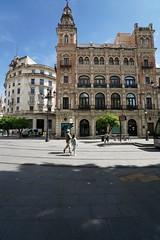 Edificio  de Telefonica, Plaza Nueva, Seville (Joe Lewit) Tags: variosonnart281635 seville spain edificiodetelefonica plazanueva