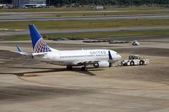 N27734 Fukuoka 31/10/15 (Andy Vass Aviation) Tags: fukuoka b737 unitedairlines n27734