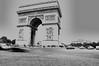 (ImaginOrlo) Tags: arcoditrionfo arcdetriomphe monumento bianconero blackwhite parigi paris francia france effetto auto cars
