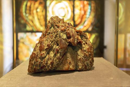 Уникальный образец янтаря (3 кг)