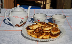 *** (donnicky) Tags: cheesecake closeup cup dacha daylight food nopeople outdoor plate publicsec readytoeat stilllife summer table teapot d850