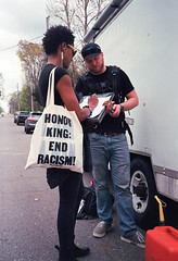 Honor King (Sean Davis) Tags: endracism mlk memphis tennessee yashicat5 behindthescenes film setlife tote