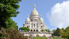 Montmatre (Francisco Anzola) Tags: paris france sunny church symbolism sacre coeur