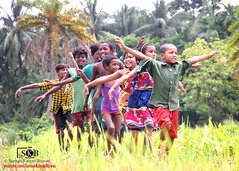 FUN TIME (Suman Kalyan Biswas) Tags: child portrait outdoor sommer village childhood children fun play run kids funtime street enjoy entertainment happiness nature green funnykids westbengal india bengal nadia beautifulbengal incredibleindia underthesky playmate playmates girls boys streetsofindia peopleofindia kidsofindia leaves grass gogreen ruralphoto chakdaha