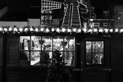 Christmas market (gambajo) Tags: 1year1town1lens brühl blackandwhite blackwhite black white people outdoors public street streetphotography window lights christmas market fair weihnachtsmarkt menschen fenster